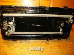 Antique Singer Machine À Coudre Modèle 66 Yeux Rouges, Crane De Main, Cuir, Serviced