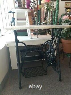 Antique Singer Treadle Machine À Coudre Cast Iron Base Marbre Top