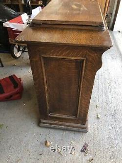 Antique Singer Treadle Machine À Coudre Yeux Rouges #g3471169 Dans La Cabine De Chêne # 66-1 -1914