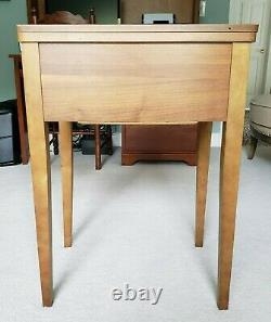 Antique Singer Zig-zag Machine À Coudre Modèle 360 Avec Table & Accessoires