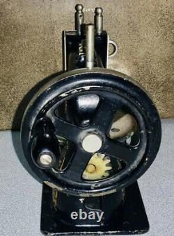 Antique Stitchwell Salesman Échantillon Machine À Coudre Cast Iron Singer Stamped