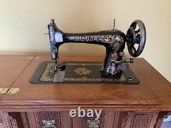 Antique Totalement Rénové N ° 27 Singer Machine À Coudre Dans L'armoire, Avec Des Pièces
