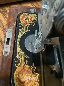 Antique Vintage Ornate Black Singer Machine À Coudre Moteur Cordon Léger En Bois