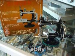 Antique Vintage Singer Mini K-20 Jouet Petit Enfant Machine À Coudre En Boîte Au Stock