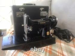 Antique Vintage Singer Plume 221 Machine À Coudre Avec Boîtier Original Taw
