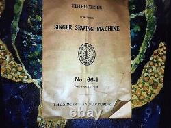 Armoire Antique De Machine À Coudre De Chanteur 66-1