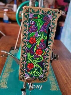 Beautiful Antique Ornate Vintage 1912 Singer Treadle Sewing Machine Modèle 127