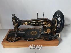 Belle Antiquité Non Assermentée 1887 Singer 13k Machine À Coudre Modèle Rare