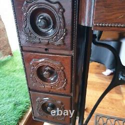 Belle Machine À Coudre D'origine Singer Antique Avec Table À Coudre Et 7 Tiroirs