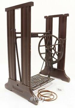 Bois Antique Singer Vintage & Cast Iron Treadle Machine À Coudre Base Deco
