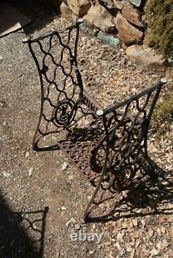 Câblage De La Machine À Coudre Treadle Lettered Crossbar(ots-1) Jambes De Table En Fonte Rusty