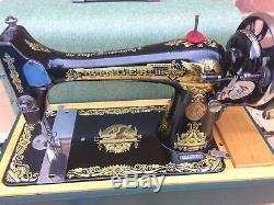 Chanteur 127k Machine Antique / Vintage Vert En Cas Manivelle Cuir