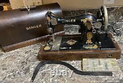 Chanteur 128 Machine À Coudre Antique 1925 + Bentwood Case Kneebar Clé Utilisé Testée