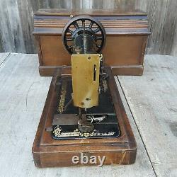 Chanteur Antique 28k Main Machine À Coudre À La Main Avec Étui À Cercueil P553394 1901