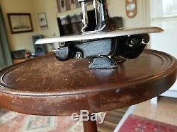 Chanteur Antique Chaîne Point 24-3 Head Machine À Coudre Restauré