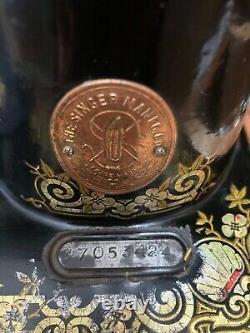 Chanteur Antique Modèle 115 Machine À Coudre En Pain D'épice, Manivelle