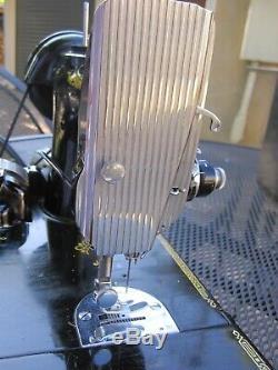 Chanteur Antique Poids Plume Machine À Coudre