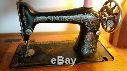 Chanteur Antique Red Eye Machine À Coudre Et Table