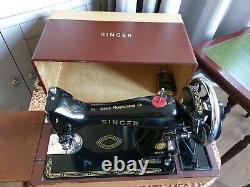 Couture Vintage Antique Classe Singer Machine Avec Étui De Transport En Cuir Couvert
