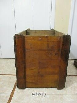 Énorme Antique Chanteur En Bois Machine À Coudre Machine D'expédition Caisse Faite Dans La Table
