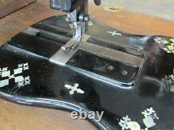 Machine À Coudre Antique 1881 Fiddlebase Mother Pearl Inlay Modèle 12 Treadle Desk