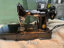 Machine À Coudre Chanteur Antique