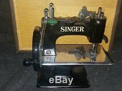 Machine À Coudre Jouet Antique Chanteur Sewhandy Enfant N ° 20 Avec L'excellente Cas