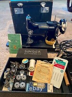 Machine À Coudre Singer Antique Avec Accessoires, 1935, Modèle 221-1