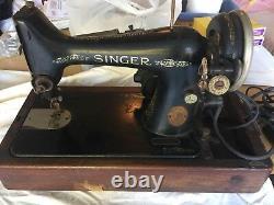 Machine À Coudre Singer Vintage Avec Foot Peddle Ab672150 Antique Collectable
