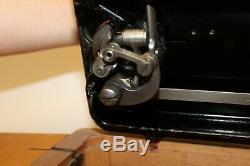 Machine Antique Vieux Crank Vintage Main Chanteur Modèle 66k Y1045595