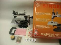 Mib New Rare Antique Vintage Singer 20 K-20 Toy Small Child Machine À Coudre 1990