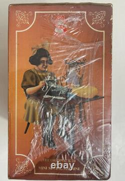 New Rare Antique Vintage Singer K-20 Toy Small Child Machine À Coudre 1990 Scellé