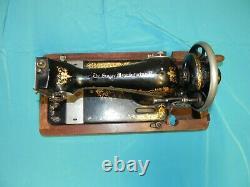 Original 1918 Modèle 28 Singer Avec Victorian Decal Hand Crank Machine À Coudre