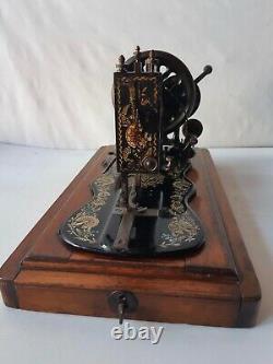 Original Sans Restriction 1897 Singer 12k Ottoman Decal Hand Crank Machine À Coudre