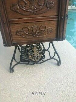 Pristine Ornate Antique 1910 Singer Treadle 7 Tiroirs À Coudre Machine Cabinet