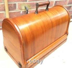 Rare 1885 Chanteur Antique 12k De Base Fiddle Manivelle Machine À Coudre À La Main