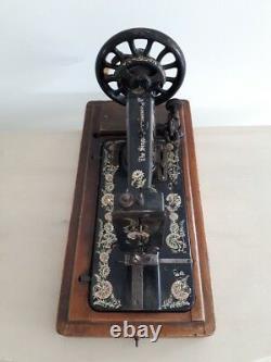 Rare Modèle 1902 Singer 48k Ottoman Main Cran Machine À Coudre R679361