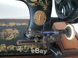 Rare Modèle 1903 Chanteur 48k Machine À Coudre Manivelle Ottoman Main R1354117