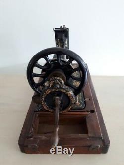 Rare Modèle 1906 Chanteur 48k Machine À Coudre Manivelle Ottoman Main S540327