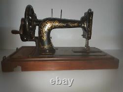 Rare Modèle De 1903 Singer 48k Ottoman Hand Crank Machine À Coudre R1354117