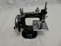 Singer K-20 20 Mint Vintage Antique Mini Toy Machine À Coudre Avec Boîtier Dôme