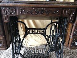 Singer Model 27 Treadle Sewing Machine Antique Rare Pheasant Decals Série B