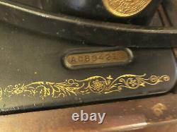 Singer Sewing Machine Vintage Antique Avec Étui Et Clé