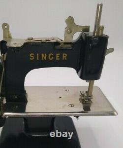 Singer Vintage Modèle 20 Enfants Machine À Coudre Main Crank Antique Pièces De Réparation
