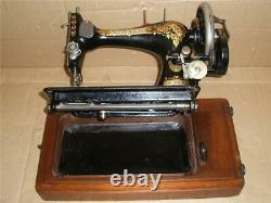 Superbe Chanteur Antique 28k Machine À Coudre De Manivelle De Main Avec Le Cas