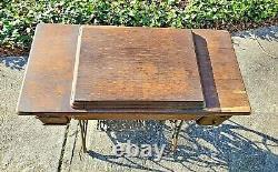 Table D'armoire De Machine À Coudre Treadle Singer Antique 4 Tiroir Chêne Fonte En Fer Vtg