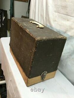 Vintage Antique Années 1900 Singer Cast Iron Couture Machine Avec Case Foot Pedal