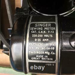 Vintage Singer 221k Featherweight Machine À Coudre Avec Fixations Et Manuel