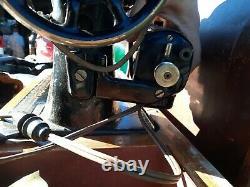 Vintage Singer Machine À Coudre Modèle 66 Pièces Repair, Bent Wood Case, As Is