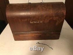 Vtg 1937 Chanteur Antique Vintage Machine À Coudre Avec Bois Case